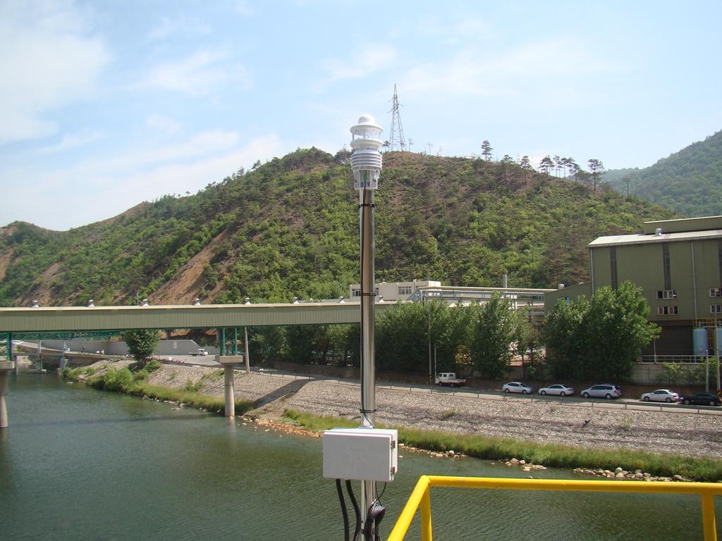 http://image.lufft.com/public/uploads/EV_MT_KR_Refinery_WS600.jpg